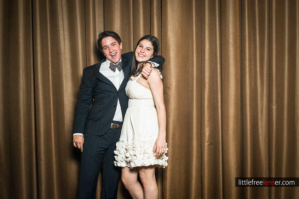 tn_Y&J_ICDC_deca_prom_photobooth_129